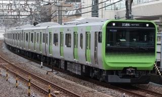 yamanotesen_newtrain.jpg